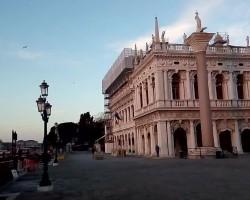 Venice78a7178ee1.720.mp4